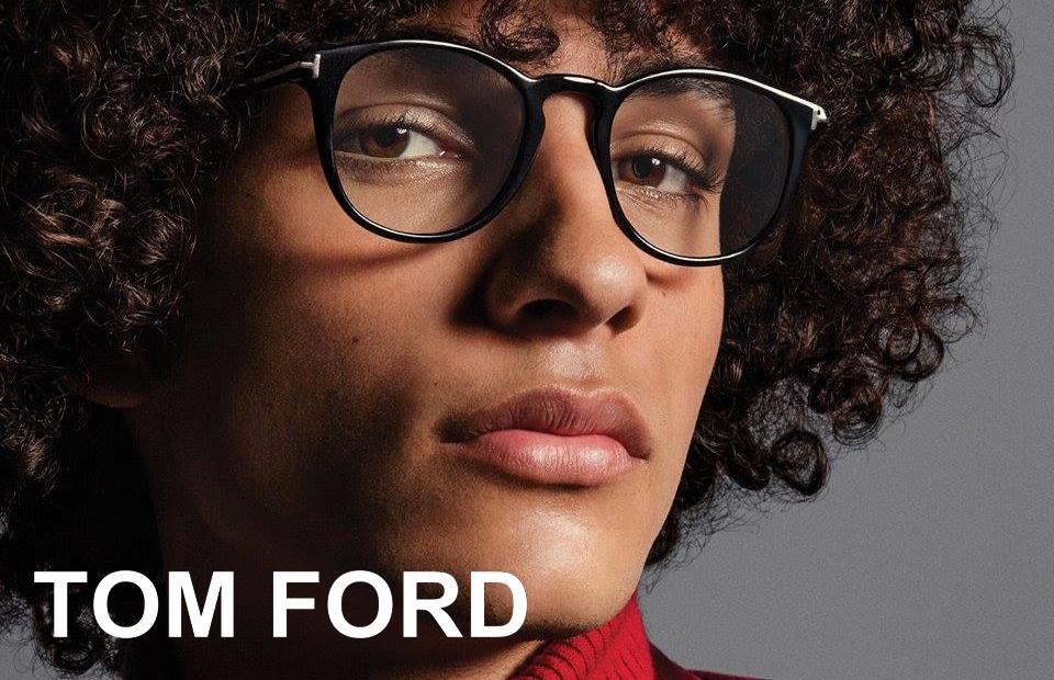 1e6e49a7c9b9 Tom Carlyle Ford – født 1961 – er bedre kendt som Tom Ford. Han er både  modedesigner og filminstruktør. Han var kreativ direktør hos Gucci og Yves  Saint ...